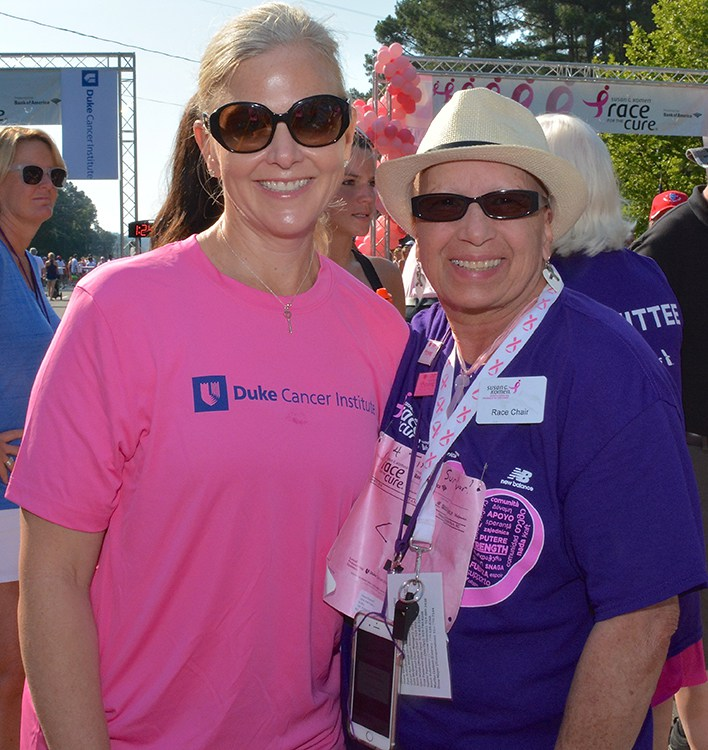 Kimberly Blackwell, MD, poses at the 2016 race with breast cancer survivor and race chair Diane Kerkhoff.
