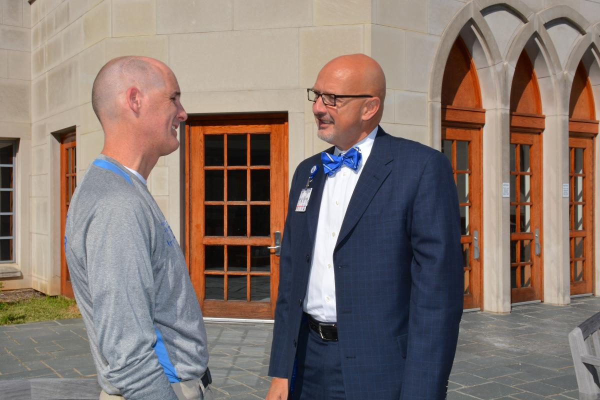 """O'Donnell chats with Kevin W. Sowers, RN, MSN, Duke University Hospital president. Sowers recently launched his own blog, """"Teach Me,"""" which can be located on the DUH Intranet."""